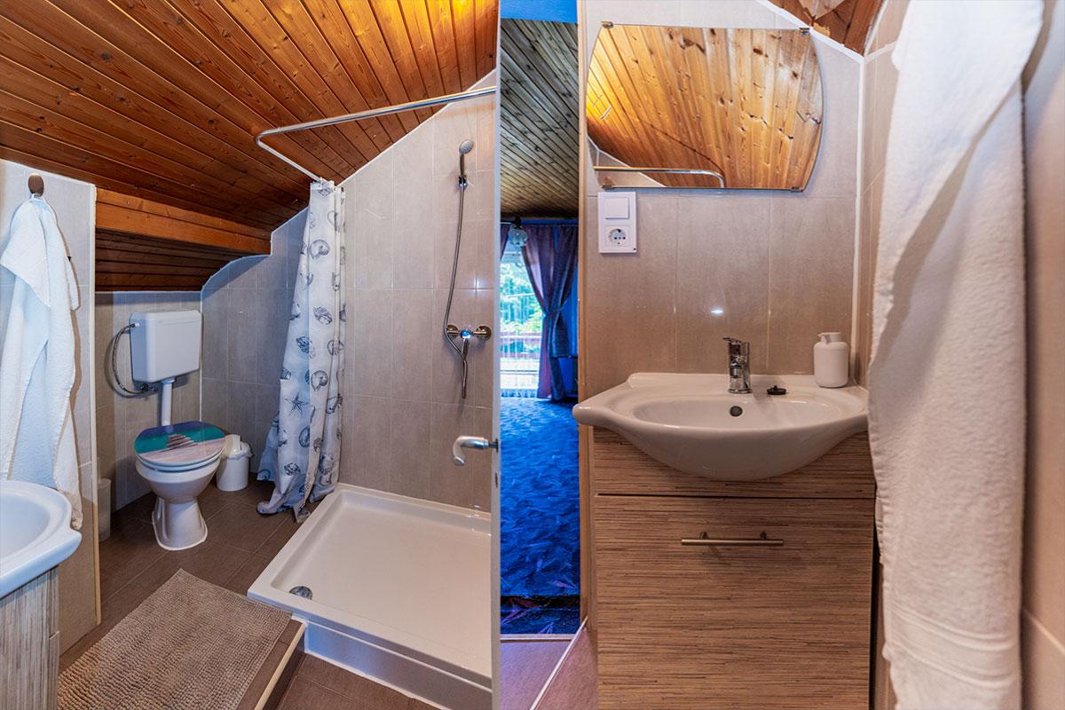 Családi szoba fürdő